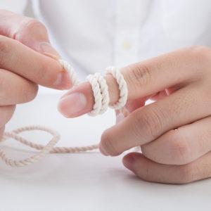 指の長さ・太さにあった結婚指輪選び