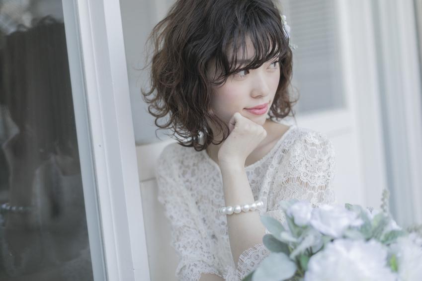 髪型をセットした花嫁