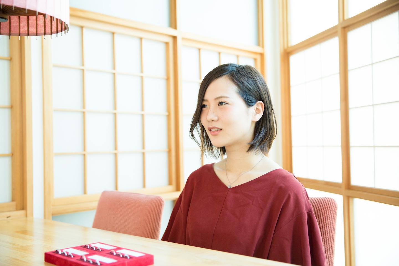 出本七瀬さん インタビュー風景