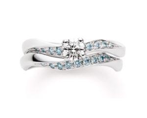ダイヤモンドのカラーチェンジも自由自在。ピンクダイヤとアイスブルーダイヤの婚約指輪をお造りしました