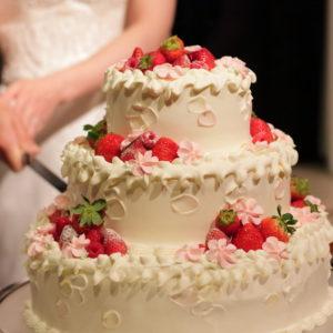 ウェディングケーキとそのデザイン ー特別な思い出と共にー