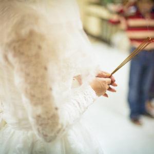 長袖のドレスで結婚式を挙げる。キャサリン妃と同じドレススタイルのロイヤル結婚!