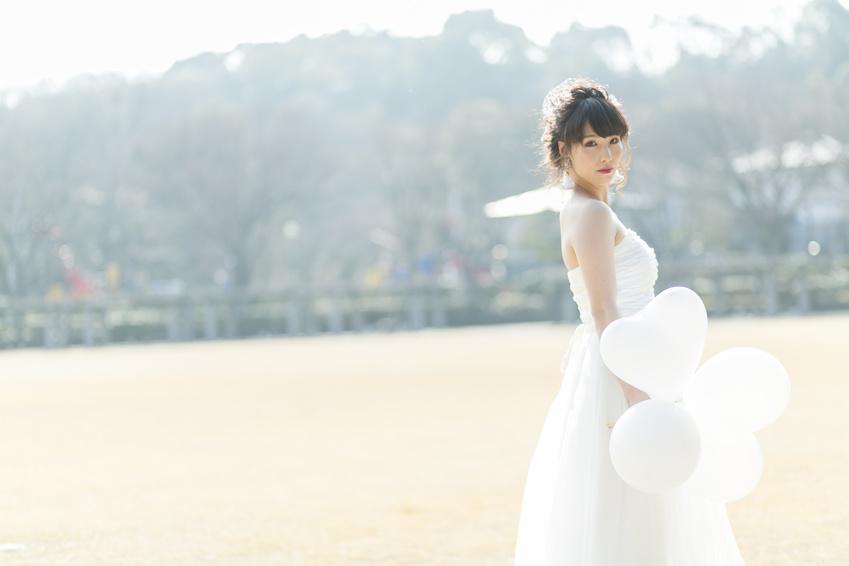 結婚式で着る「白」