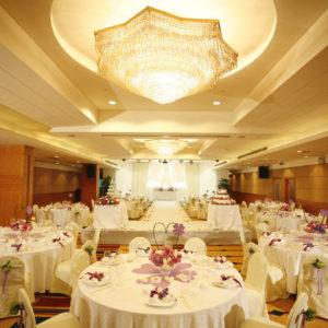 結婚式の見積もりは交渉次第で安くなるの?値引きポイントとは?